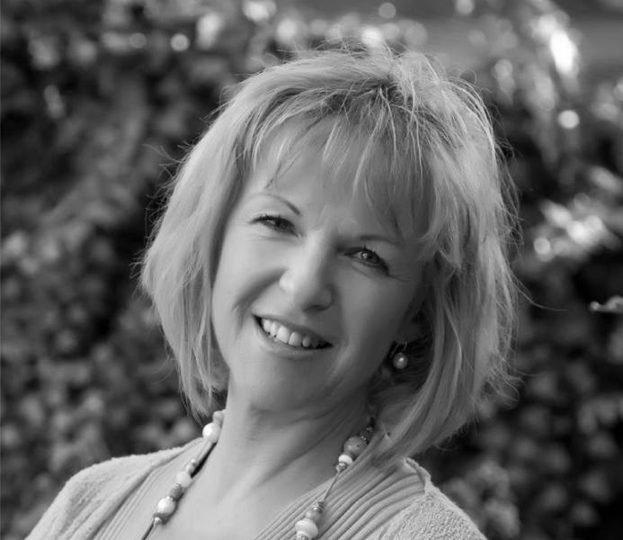 Dr Susie Mitchel